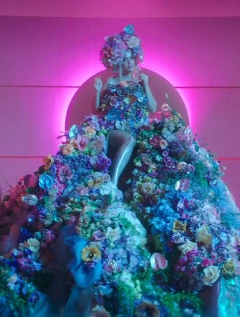 Katy Perry - Never Worn White - Capture YouTube