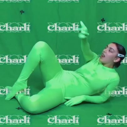 Charli XCX - claws - Capture YouTube