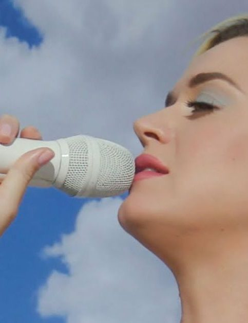 Katy Perry - Daisies - Live - Capture YouTube