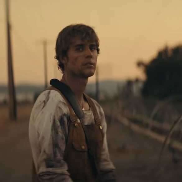 Justin Bieber - Holy - Capture YouTube