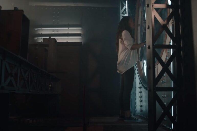 Leiza - Lumière Noire - Capture YouTube