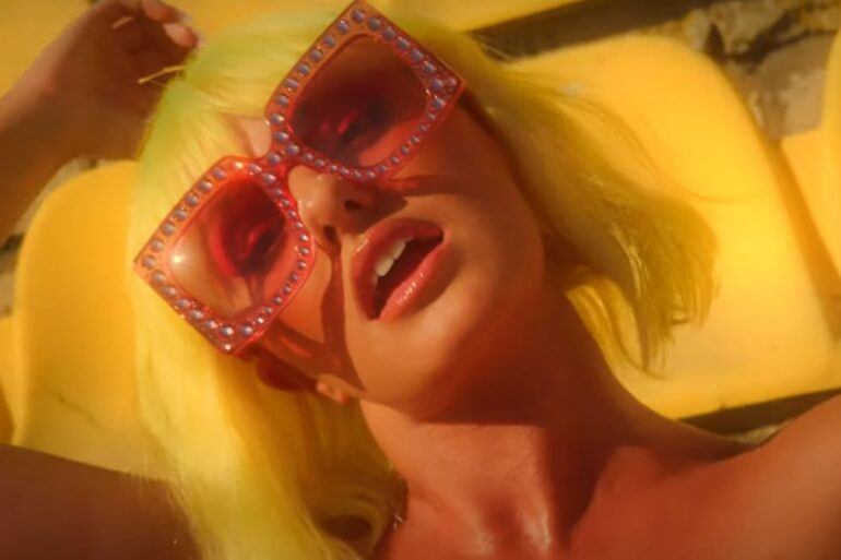 Alexandra Stan x LiToo - Tikari - Capture YouTube