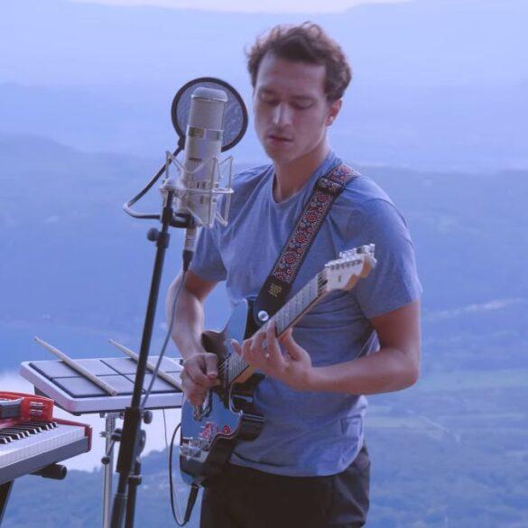 Victor Marc - Blue - Capture YouTube