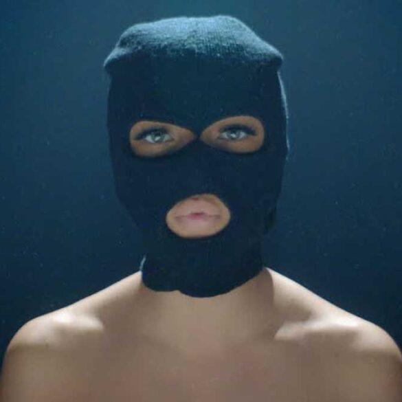 Eva - Coeur Noir - Capture YouTube