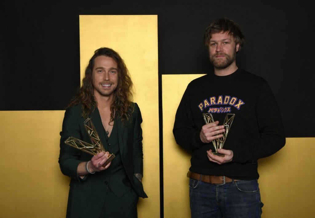 Julien Doré et Brice VDH - Victoire de la meilleure Création audiovisuelle - © Nathalie Guyon